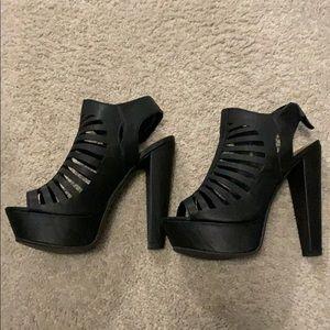 Black open toe platform heel